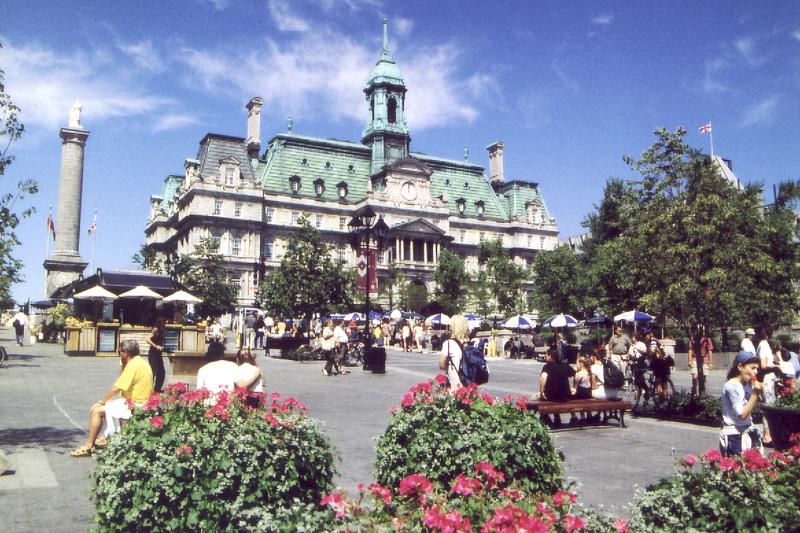 Place Jacques Cartier et Hôtel de ville  MONTREAL